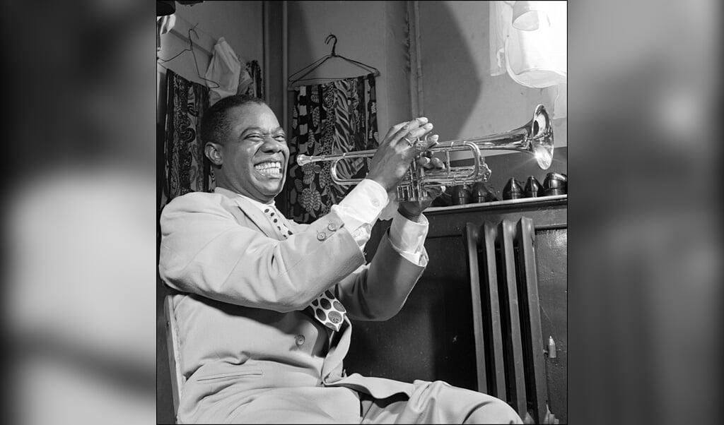 Louis Armstrong is opperbeste stemming, zoals hij vaak was.  (beeld afp)