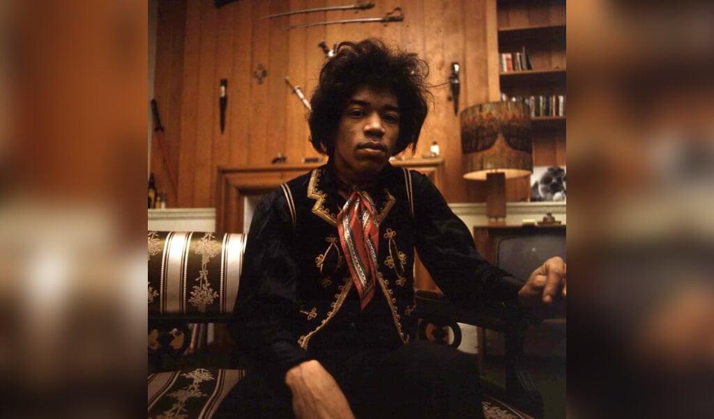 <p>Portretfoto van Jimi Hendrix in 1966.</p>  (beeld Copyright Kippa)
