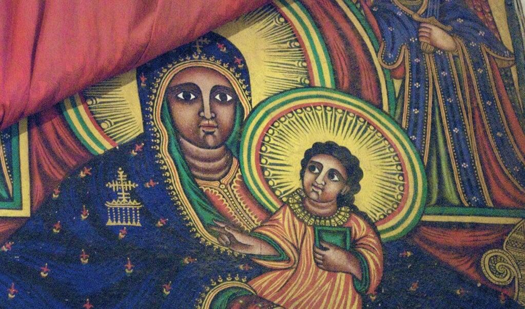 Zwarte madonna met kind in de Kerk van de Heilige Maria van Zion (Axum, Ethiopië)  (beeld flickr / A. Davey)