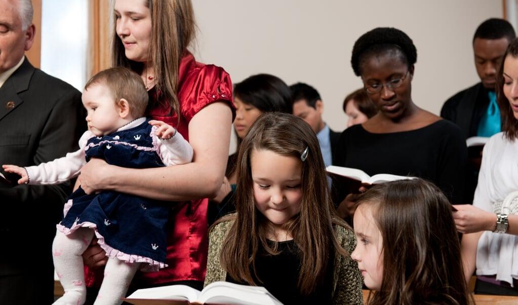 Er zijn blanke, gekleurde, multi-etnische en internationale kerken...   (beeld Getty Images)