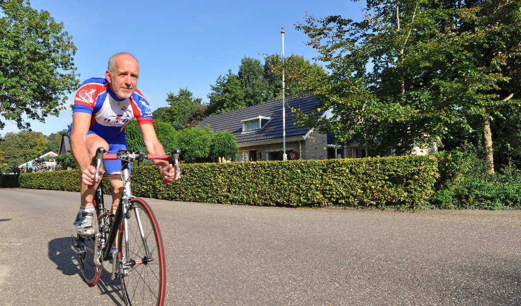 Gerrit Knol rijdt 'elke dinsdag of woensdag een intensief trainingsrondje en op zaterdag een langere rit.'  ( beeld DTCT / Suzanne Breman)