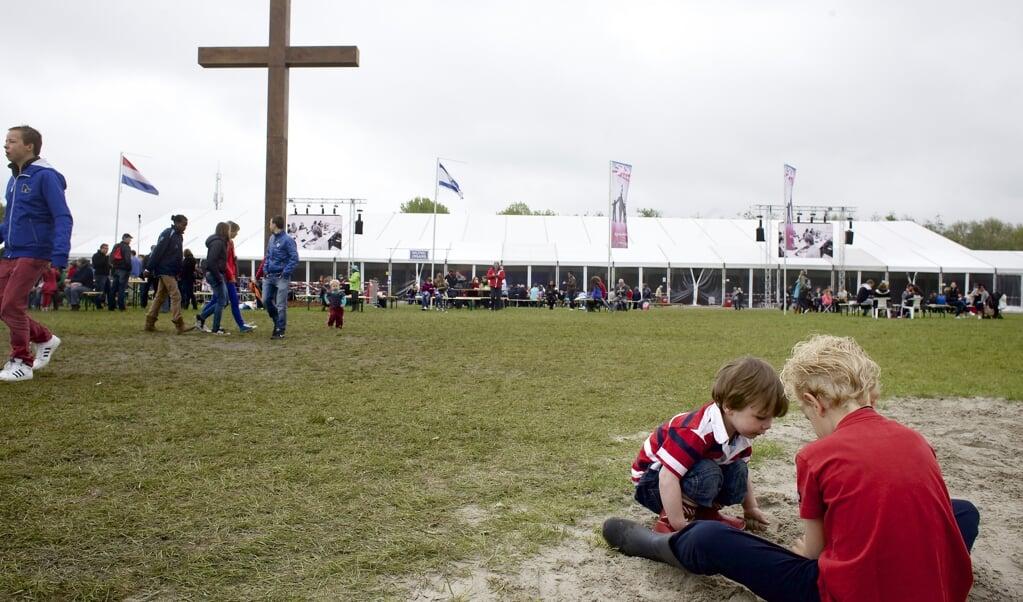 We leven toe naar een bijzonder Pinksterfeest zonder kerkgangers.  Ook bijzonder: geen real-life Pinksterconferenties. Deze pelgrimages van de moderne tijd zijn slechts online te vinden.  (beeld Dick Vos)