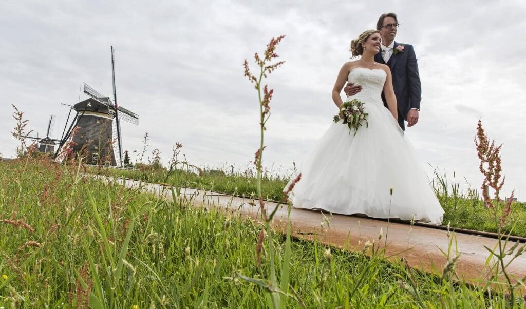 <p>Bij huwelijksvoltrekkingen zijn toch maximaal dertig mensen welkom.</p>  (beeld anp / Jeroen van der Meyde)