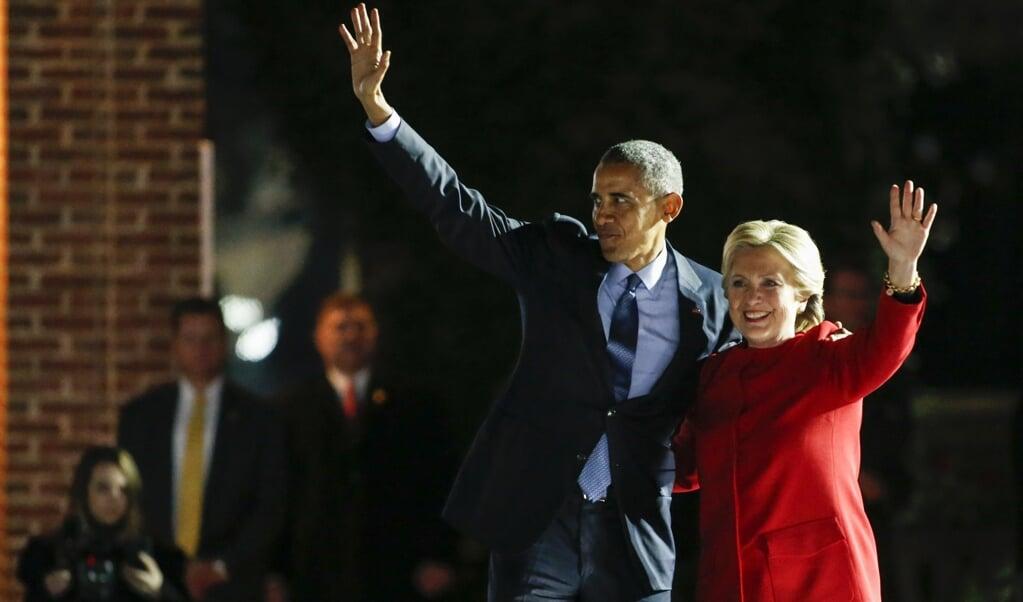 Voormalig president Barack Obama en Hillary Clinton zouden met het 'neponderzoek' naar Russische inmenging in 2016 Trump willen ondermijnen.  (beeld afp / Kena Betancur)