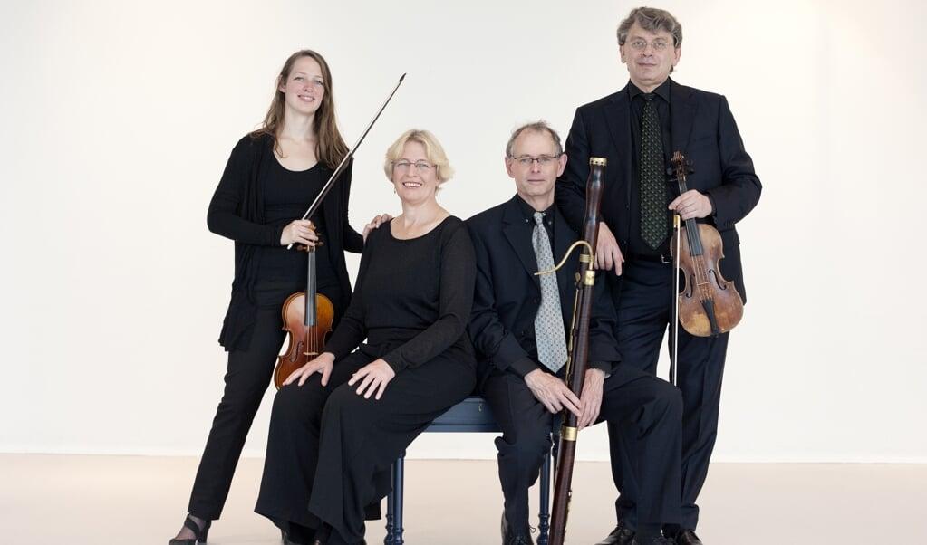 'Afzeggen kan altijd nog,' hielden de musici van het Apollo Ensemble elkaar voor.  (beeld Anne Meyer Fotografie)