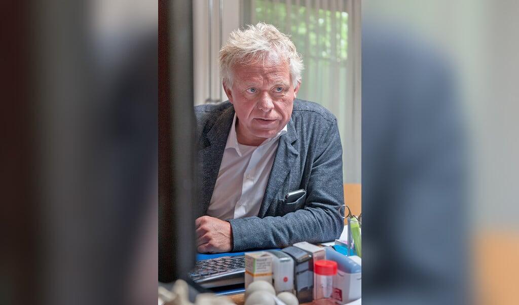 <p>Huisarts Jaap Schuurmans: 'Er zal strijd ontstaan tussen artsen en families over de inhoud van een wilsverklaring.'</p>  (beeld nd)
