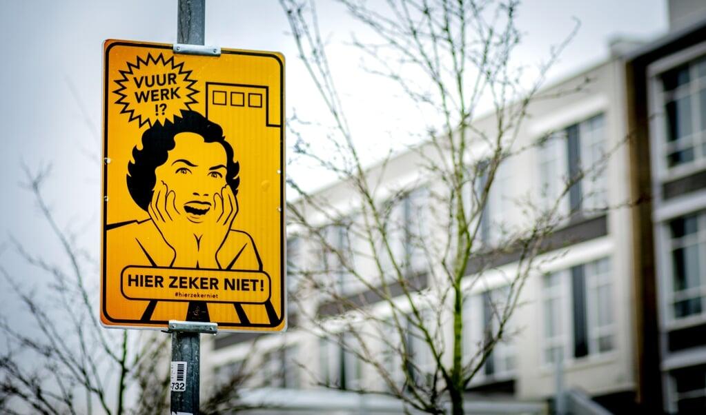 Een bord dat een vrijwillig vuurwerkvrije zone aanduidt. In zo'n zone geldt een vuurwerkverbod.  (anp)
