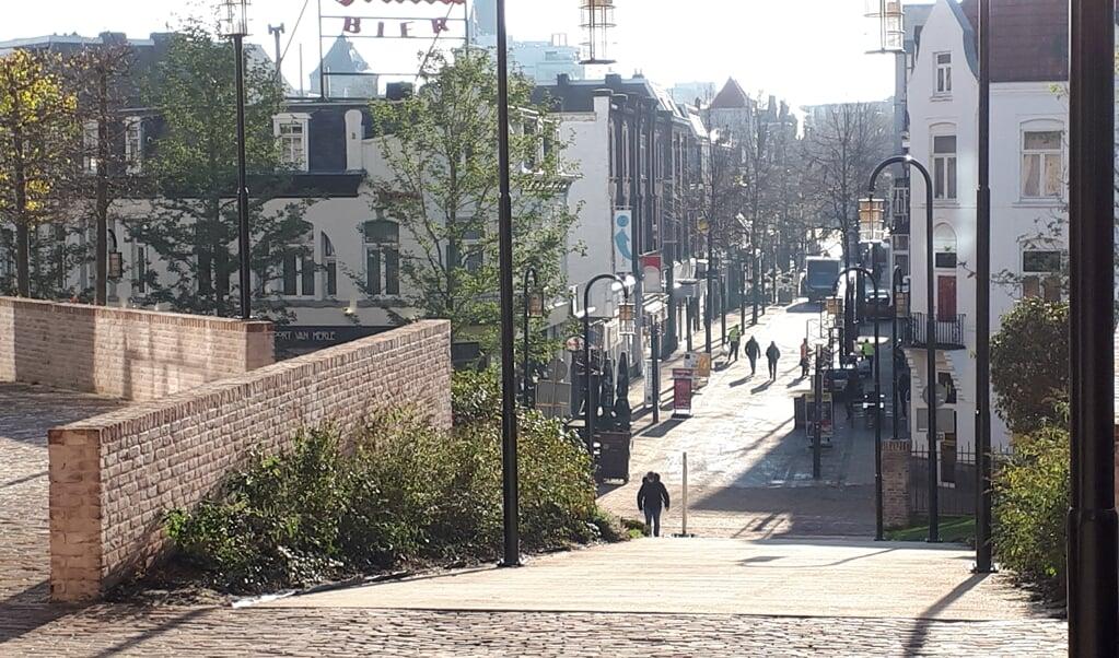 Het hooggelegen Maankwartier verbindt Noord- en Zuid-Heerlen.  (nd)