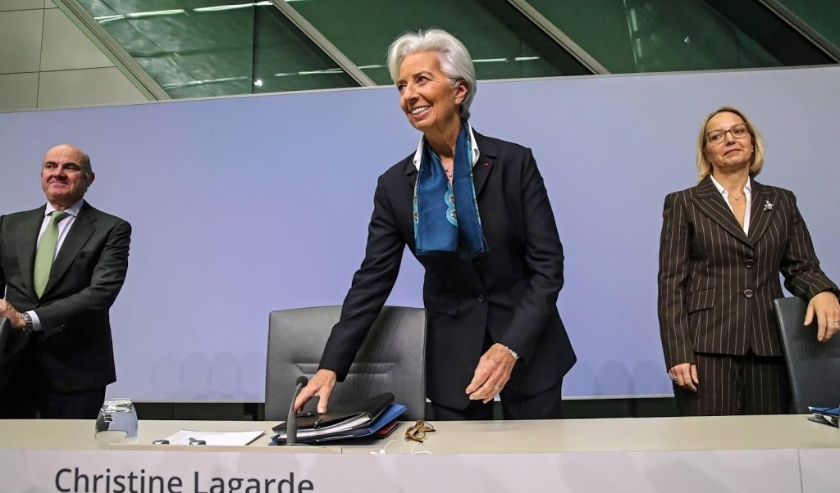 2019-12-12 15:30:33 epa08065234 European Central Bank (ECB) President Christine Lagarde (C) arrives to attend a press conference following the meeting of the Governing Council of the European Central Bank in Frankfurt Main, Germany, 12 December 2019. The   ( beeld anp)