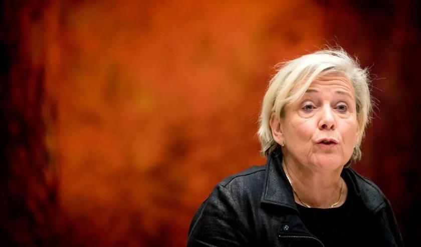 2019-11-27 23:12:54 DEN HAAG - Ank Bijleveld, minister van Defensie tijdens het debat in de Tweede Kamer over het bericht dat de premier geinformeerd zou zijn over de 70 burgerdoden in Irak. Bij een aanval van Nederlandse F-16's op Hawija in juni 2015 vie  ( beeld anp)