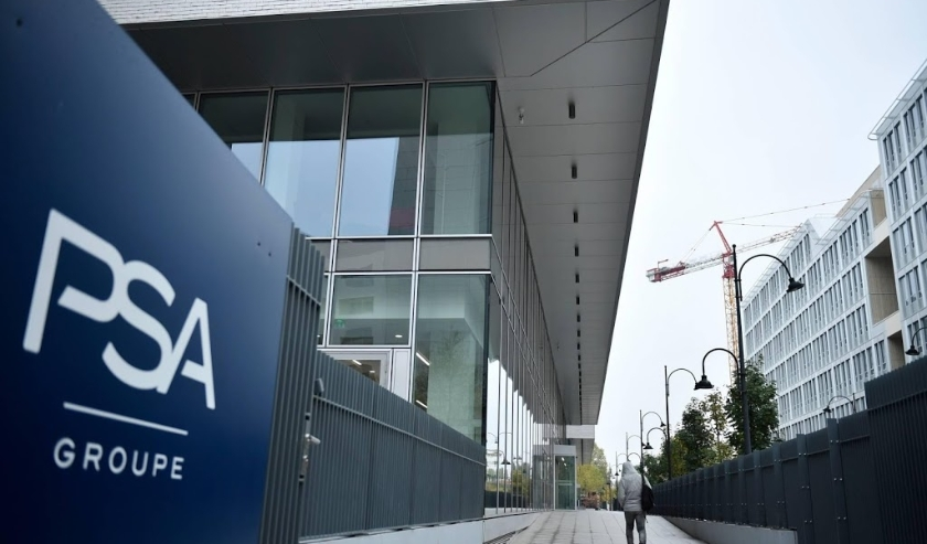 2019-10-31 10:14:49 epa07962079 A view of signage at the PSA Group headquarters in Rueil Malmaison, near Paris, France, 31 October 2019. Media reports on 31 October 2019 state the European car manufacturers PSA Group and Fiat Chrysler Automobiles FCA have  ( beeld anp)