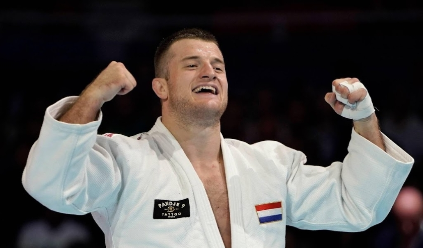 2019-08-30 21:17:41 epa07804318 Michael Korrel of the Netherlands celebrates after defeating Cho Guham of South Korea to capture the bronze of the men's -100kg category bronze medal match at the Judo World Championships 2019 in Tokyo, Japan, 30 August 201  ( beeld anp)