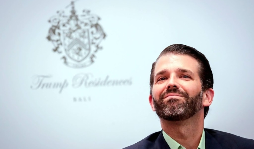 2019-08-13 11:30:45 epaselect epa07770620 Donald Trump Jr., US President Donald J. Trump's oldest son, smiles during a press conference following the pre-launching of Trump Residences Indonesia in Jakarta, Indonesia, 13 August 2019. Indonesian property co  ( beeld anp)