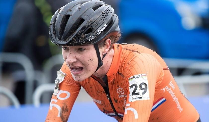 2018-02-03 16:43:11 VALKENBURG - Marianne Vos in actie tijdens het wereldkampioenschap veldrijden 2018. ANP MARCEL VAN HOORN  ( beeld anp)