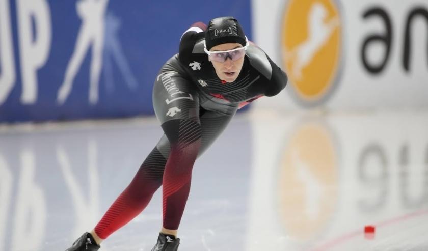 2019-11-15 18:08:55 epa07999813 Ivanie Blondin of Canada in action during the Women's 3000m race at the ISU Speed Skating World Cup in Minsk, Belarus, 15 November 2019.  EPA/TATYANA ZENKOVICH  ( beeld anp)