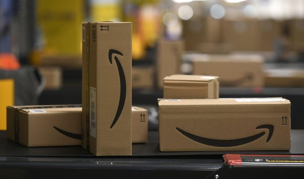 Tot nu toe werden Nederlandse klanten van Amazon bediend vanuit Duitsland, zoals via dit distributiecentrum in Mönchengladbach.  (beeld  afp / Ina Fassbender)