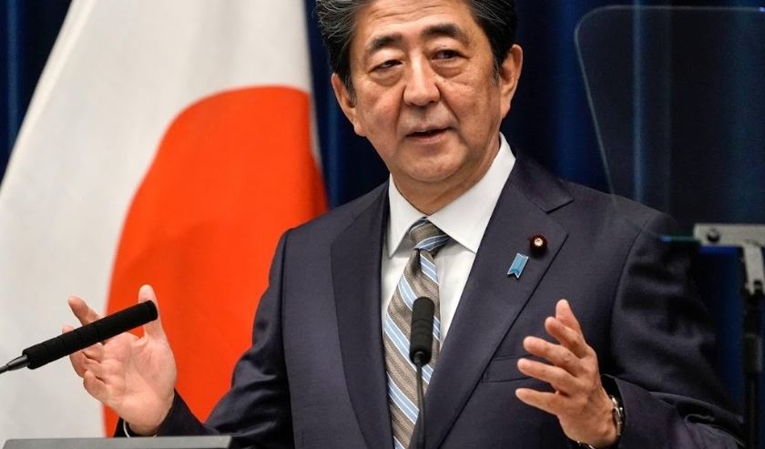 2019-12-09 18:29:54 epa08056495 Japanese Prime Minister Shinzo Abe speaks during a news conference at his official residence in Tokyo, Japan, 09 December 2019. According to media reports, Abe said that he is currently organizing a round of talks with Iran  ( beeld anp)