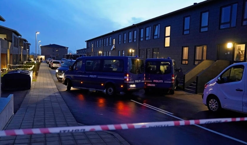 2019-12-11 00:00:00 epa08062905 Police conducts searches Stormgade in Aalborg, Denmark, 11 December 2019. The Danish police conducted country-wide searches with investigations on terror planning.  EPA/Henning Bagger  DENMARK OUT  ( beeld anp)