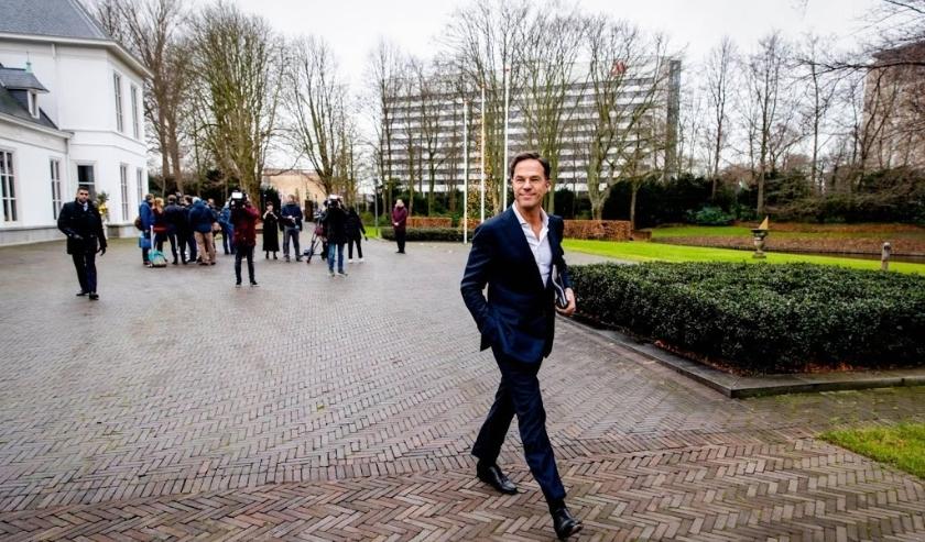 2019-12-16 10:53:04 DEN HAAG - Premier Mark Rutte verlaat het Catshuis na afloop van het gesprek met het Landbouw Collectief over de stikstofproblematiek. ANP SEM VAN DER WAL  ( beeld anp)