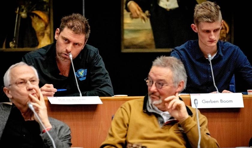 2019-12-13 11:42:28 DEN BOSCH - Mark van den Oever (Farmers Defence Force) tijdens de inspraakronde in het provinciehuis. Boeren demonstreren opnieuw voor het provinciehuis van Den Bosch. Ze protesteren tegen de in hun ogen onrealistische stikstofmaatrege  ( beeld anp)
