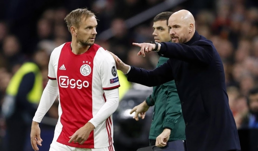 2019-12-10 22:44:51 (l-r) Siem de Jong of Ajax, Ajax coach Erik ten Hag during the UEFA Champions League group H match between Ajax Amsterdam and Valencia CF at the Johan Cruijff Arena on December 11, 2019 in Amsterdam, The Netherlands ANP SPORT  ( beeld anp)