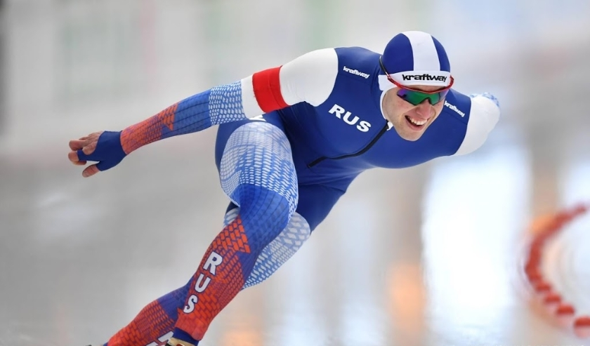2019-02-09 16:36:35 epa07355502 Viktor Mushtakov of Russia competes in the men's 1000m at the ISU World Single Distances Speed Skating Championships in Inzell, Germany, 09 February 2019.  EPA/LUKAS BARTH-TUTTAS  ( beeld anp)