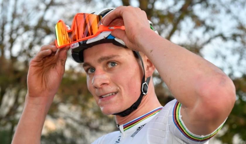2019-11-10 14:38:08 SILVELLE - Mathieu van der Poel is voor de derde keer op rij Europees kampioen veldrijden. ANP SOENAR CHAMID  ( beeld anp)