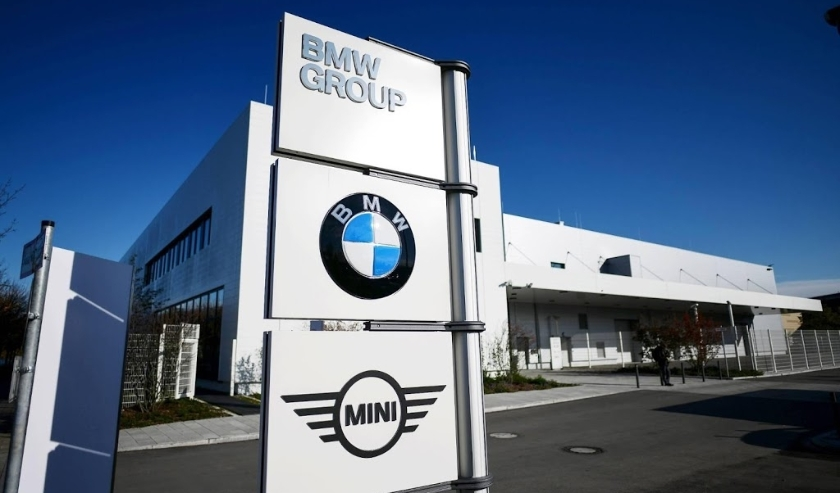 2019-11-14 12:43:50 epa07995734 An outside view of the BMW battery cell competence center in Munich, Germany, 14 November 2019. Some 200 employees of the German car manufacturer work in the new facility dedicated to research and development of battery sys  ( beeld anp)