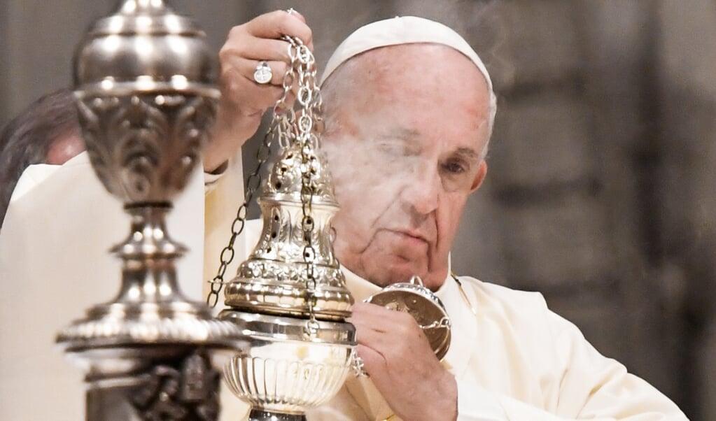 Paus Franciscus tijdens een eucharistieviering in de Sint-Pieter ter gelegenheid van de viering van Onze Lieve Vrouwe van Guadeloupe.  (afp / Alberto Pizzoli)