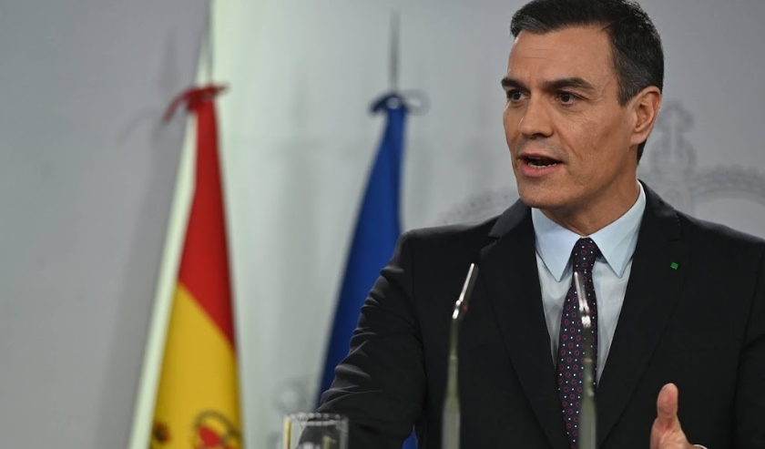 2019-12-11 21:07:05 epa08063756 Acting Spanish Prime Minister Pedro Sanchez offers a presser at the Moncloa Palace in Madrid, Spain, 11 December 2019. Spanish Lower Chamber Speaker Meritxell Batet announced that Spain's King Felipe VI designated acting Sp  (beeld anp)