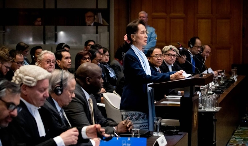 2019-12-11 09:59:53 DEN HAAG - Abubacarr Tambadou (4L), minister van justitie van Gambia en Aung San Suu Kyi op de tweede dag voor het Internationaal Gerechtshof in het Vredespaleis. De Myanmarese regeringsleider Aung San Suu Kyi neemt namens haar land he  ( beeld anp)