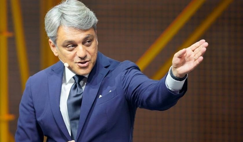 2019-09-10 09:33:11 epa07832005 Seat CEO Luca de Meo gestures during the presentation of the Cupra Travascan during the IAA motor show in Frankfurt, Germany, 10 September 2019. The 2019 International Motor Show Germany  IAA 2019, which this year promotes   ( beeld anp)