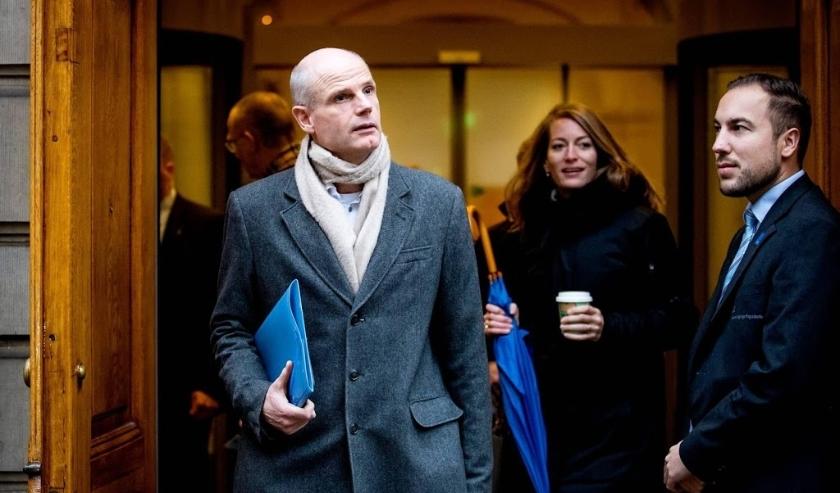 2019-12-13 10:31:39 DEN HAAG - Stef Blok, minister van Buitenlandse Zaken bij aankomst op het Binnenhof voor de wekelijkse ministerraad. ANP KOEN VAN WEEL  ( beeld anp)