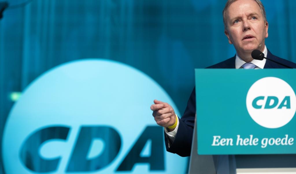 Partijvoorzitter Rutger Ploum tijdens het verkiezingscongres van het CDA in de Kromhouthal, in aanloop naar de Provinciale Statenverkiezingen.  (beeld anp / Evert Elzinga)