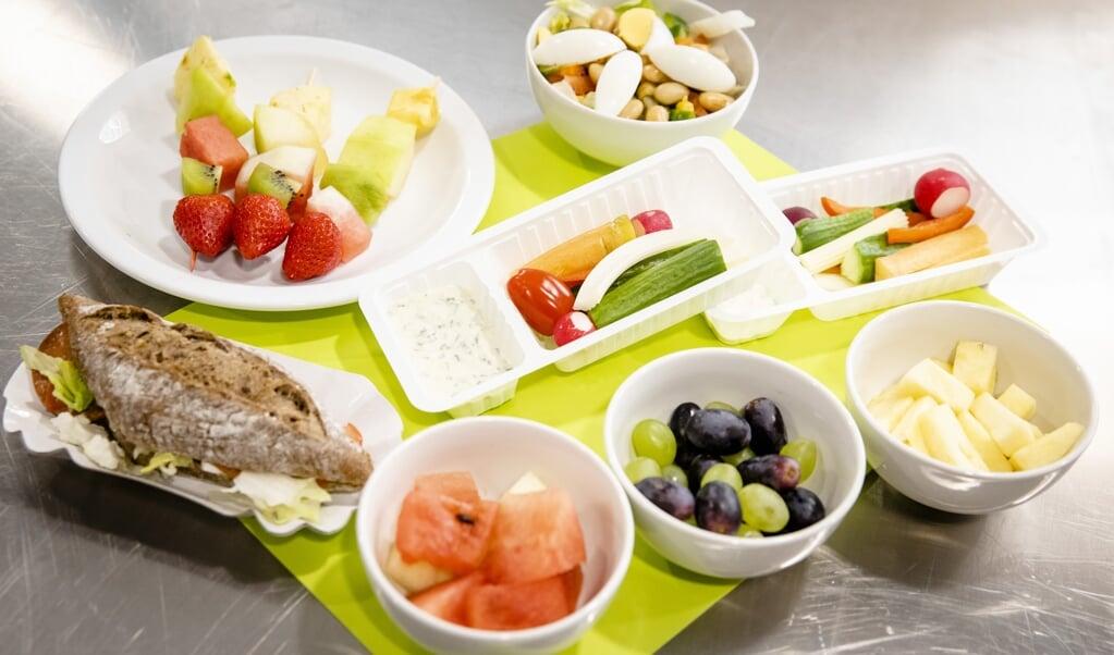 Een gezond schoolontbijt bij de viering van de jaarlijkse Dag van de Gezonde Schoolkantine.  (beeld anp / Bart Maat)