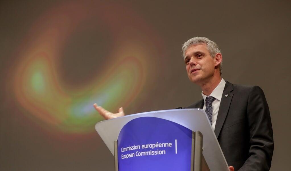 De christelijke hoogleraar hoogleraar radioastronomie en astrodeeltjesfysica Heino Falcke is een van de sterren van zijn vakgebied.   (beeld epa/Stephanie Lecocq)