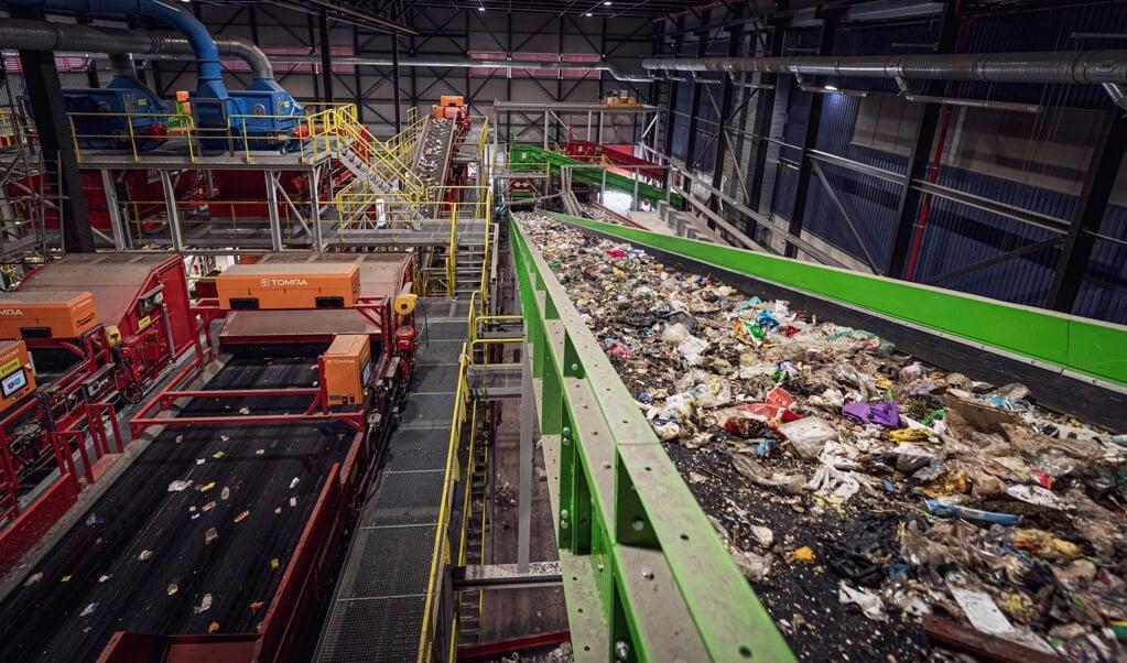 De installatie van AVR zorgt ervoor dat afval wordt gescheiden, in restafval en plasticafval  (beeld avr)