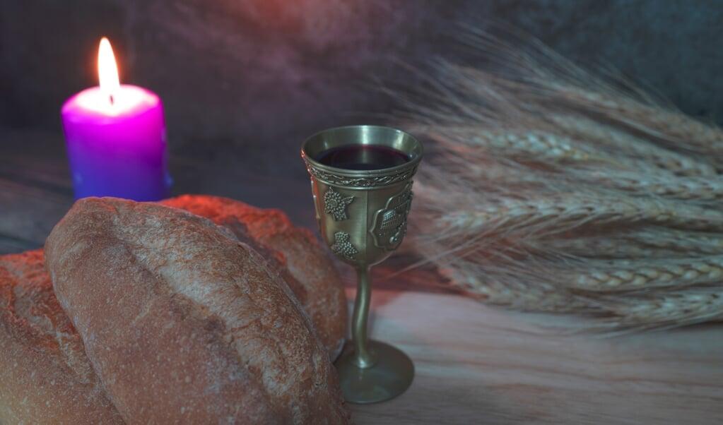 We kunnen in de kerk maar beter aanvaarden dat we door een tijd van 'leegte en gemis' heen trekken. En daarom, zelfs in de paastijd, geen virtueel avondmaal vieren.  (beeld istock)