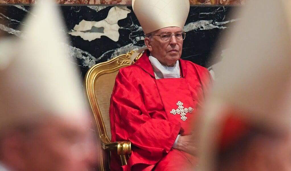 Kardinaal Giovanni Battista Re  (beeld  afp / Tiziana Fabi)