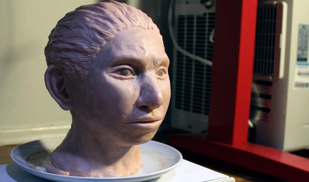 Johannes Krause was een van de ontdekkers van de Denisova-mens. Op basis van het gevonden DNA werd deze 3D-reconstructie gemaakt van het hoofd van een Denisova-vrouw.  (beeld epa)