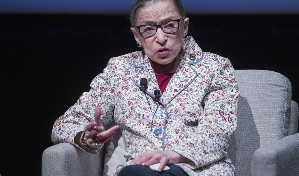 <p>Ruth Bader Ginsburg, rechter van het Hooggerechtshof, is overleden.&nbsp;</p>  (beeld epa / Tannen Maury)