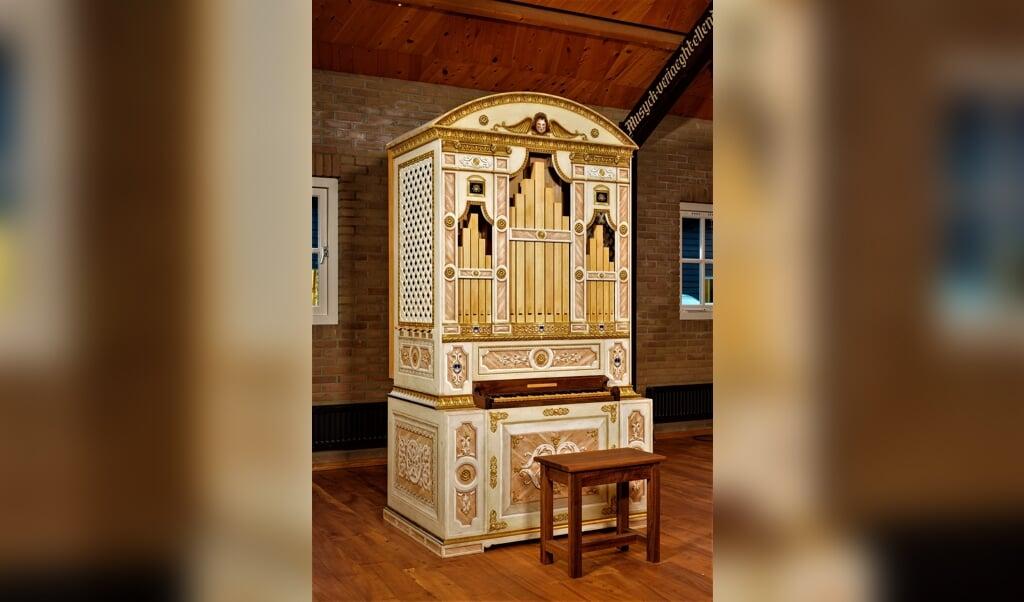 Het Monteverdi-orgel ziet er uit als een meubelstuk uit het Venetië van rond 1600, in stijl beschilderd door decorateur Michele Barchi.  ( beeld Mich Buschman)