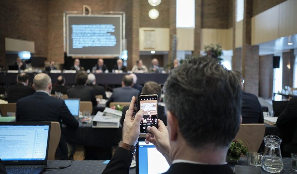 <p>Archieffoto van de Synode van de CGK in 2020 in de Oenenburgkerk in Nunspeet.</p>  (beeld Dick Vos)