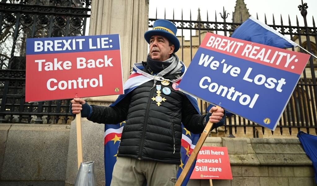 De Britten hebben een haat-liefdeverhouding met de Europese Unie, maar ook in het Verenigd Koninkrijk zorgt de brexit voor verdeeldheid.  (beeld epa / Neil Hall)
