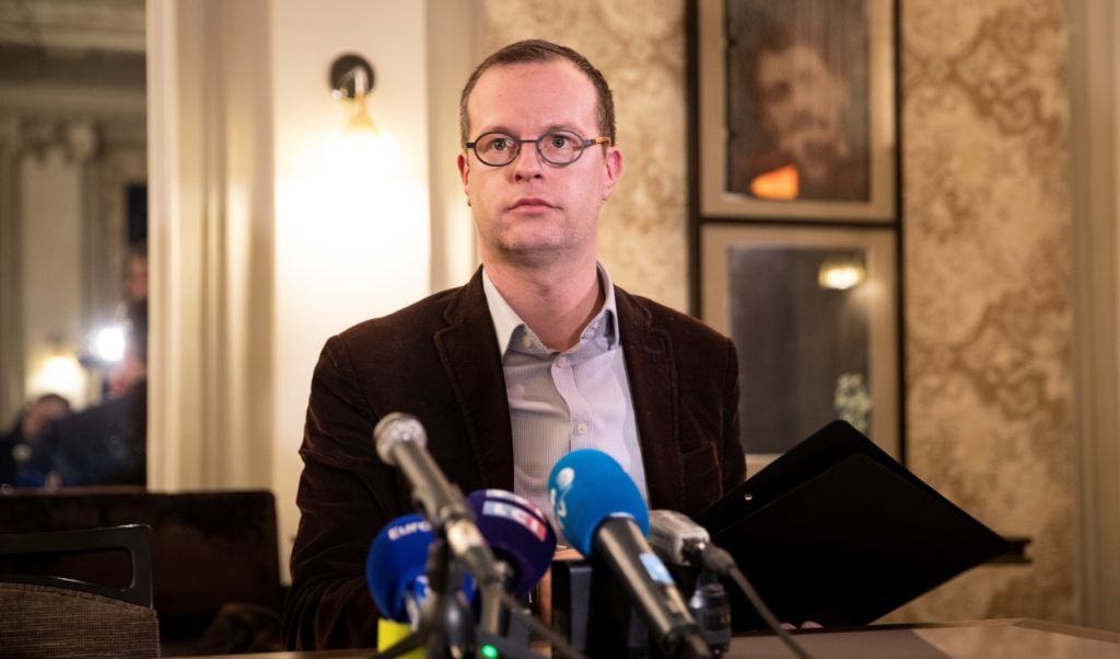 Benjamin Blanchard, directeur general van SOS Chretiens d'Orient tijdens de persconferentie.  (beeld  afp)