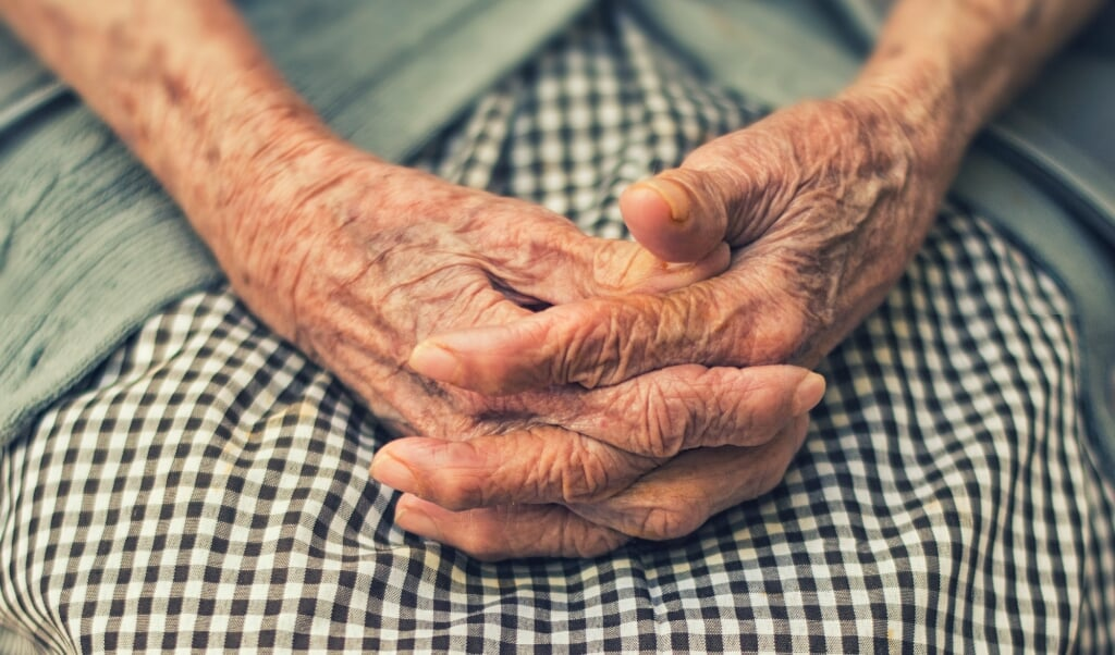 <p>Op dit moment gaat de discussie te vaak over euthanasie en 'voltooid leven', vindt het Landelijk Expertisecentrum Sterven.</p>  (beeld Cristian Newman)