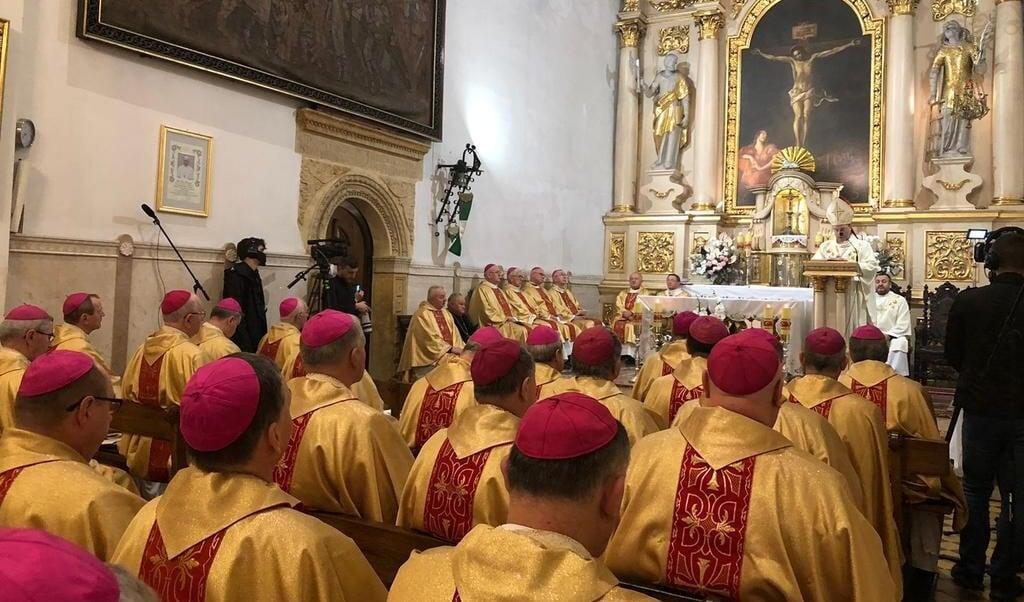 De Poolse bisschoppen waren op 5 en 6 oktober voor hun algemene vergadering in Lodz bijeen.  (beeld Twitter / EpiskopatNews)