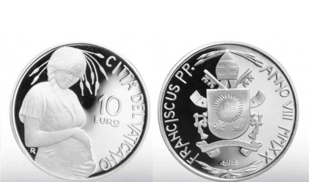 <p>Het zilveren 10 euro-muntstuk van het Vaticaan met de afbeelding van 'Moeder Aarde'.</p>  (beeld ND)