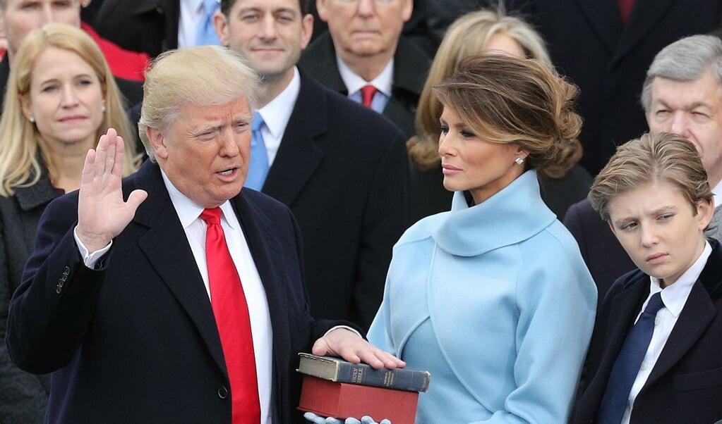 <p>De Amerikaanse president Donald Trump tijdens zijn inauguratie in 2017.</p>  (beeld Epa/justin Lane)