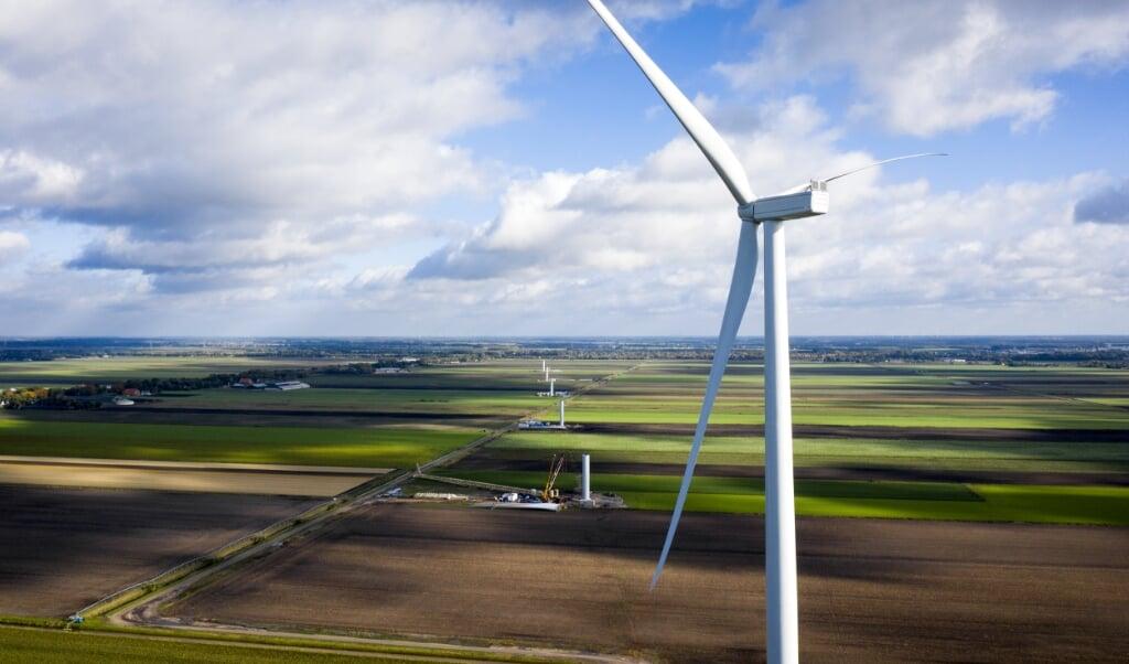 <p>Windpark De Drentse Monden en Oostermoer. Tegenstanders hebben de rechter gevraagd de bouw stil te leggen.</p>  (beeld anp)